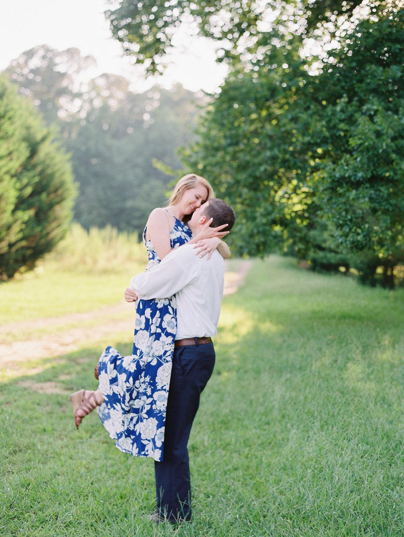 Woodstock-Engagement-Session-atlanta-wedding-photographer-hannah-forsberg-20.jpg
