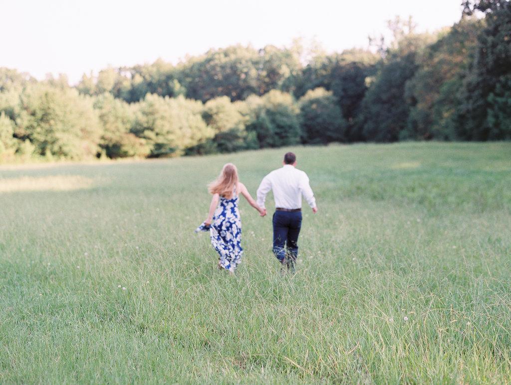 Woodstock-Engagement-Session-atlanta-wedding-photographer-hannah-forsberg-24.jpg