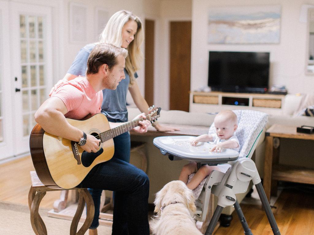 In-Home-Atlanta-Family-Session-atlanta-wedding-photographer-hannah-forsberg-16.jpg