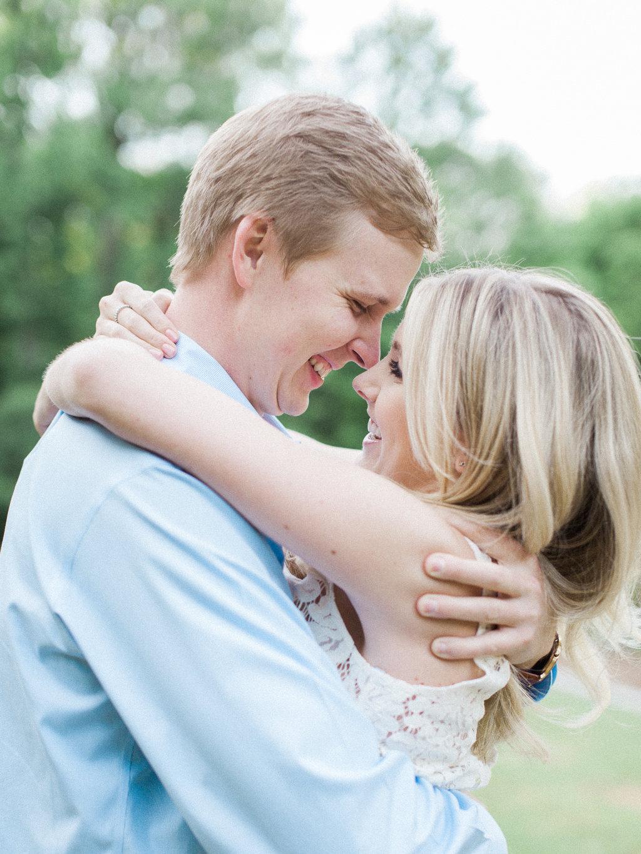 Cator-Woolford-Gardens-Engagement-atlanta-wedding-photographer-hannah-forsberg-5.jpg