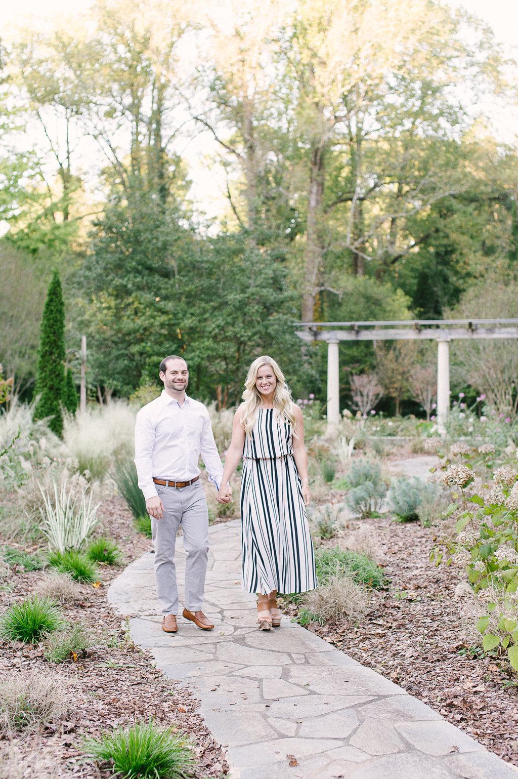 Cator-Woolford-Gardens-Engagement-atlanta-wedding-photographer-hannah-forsberg-9.jpg