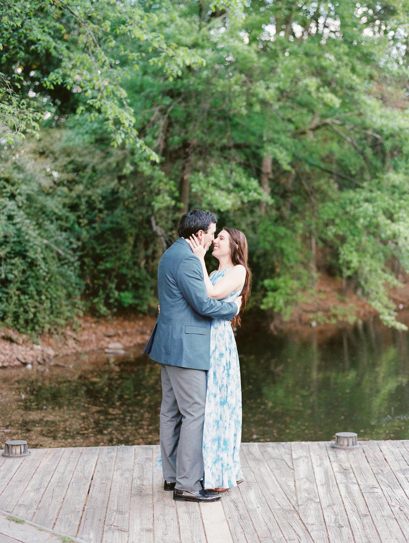 Piedmont-Park-Engagement-atlanta-wedding-photographer-hannah-forsberg-17.jpg