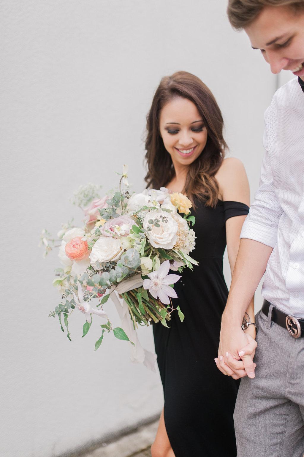 Marietta-Square-Engagement-atlanta-wedding-photographer-hannah-forsberg-5.jpg