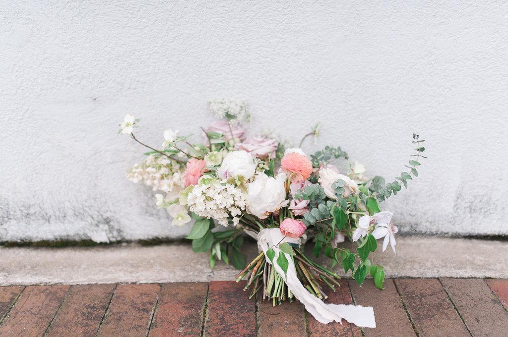 Marietta-Square-Engagement-atlanta-wedding-photographer-hannah-forsberg-12.jpg