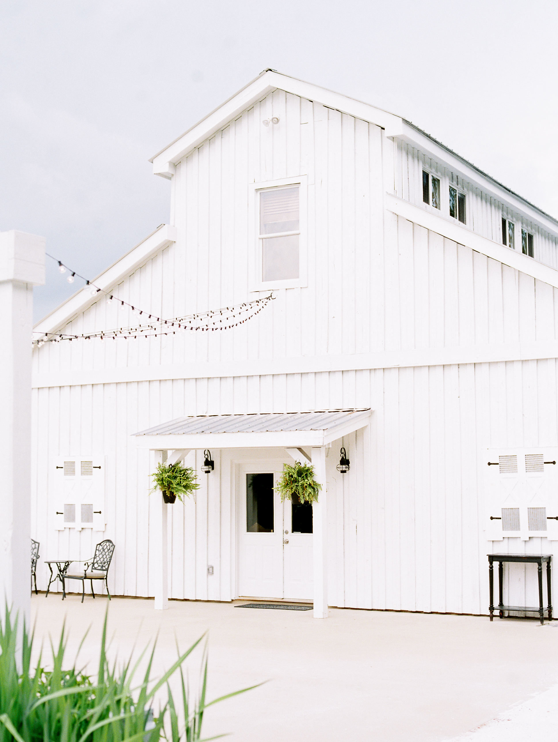barn-at-tatum-acres-wedding-jasper-atlanta-wedding-photographer-fine-art-film-hannah-forsberg1.JPG