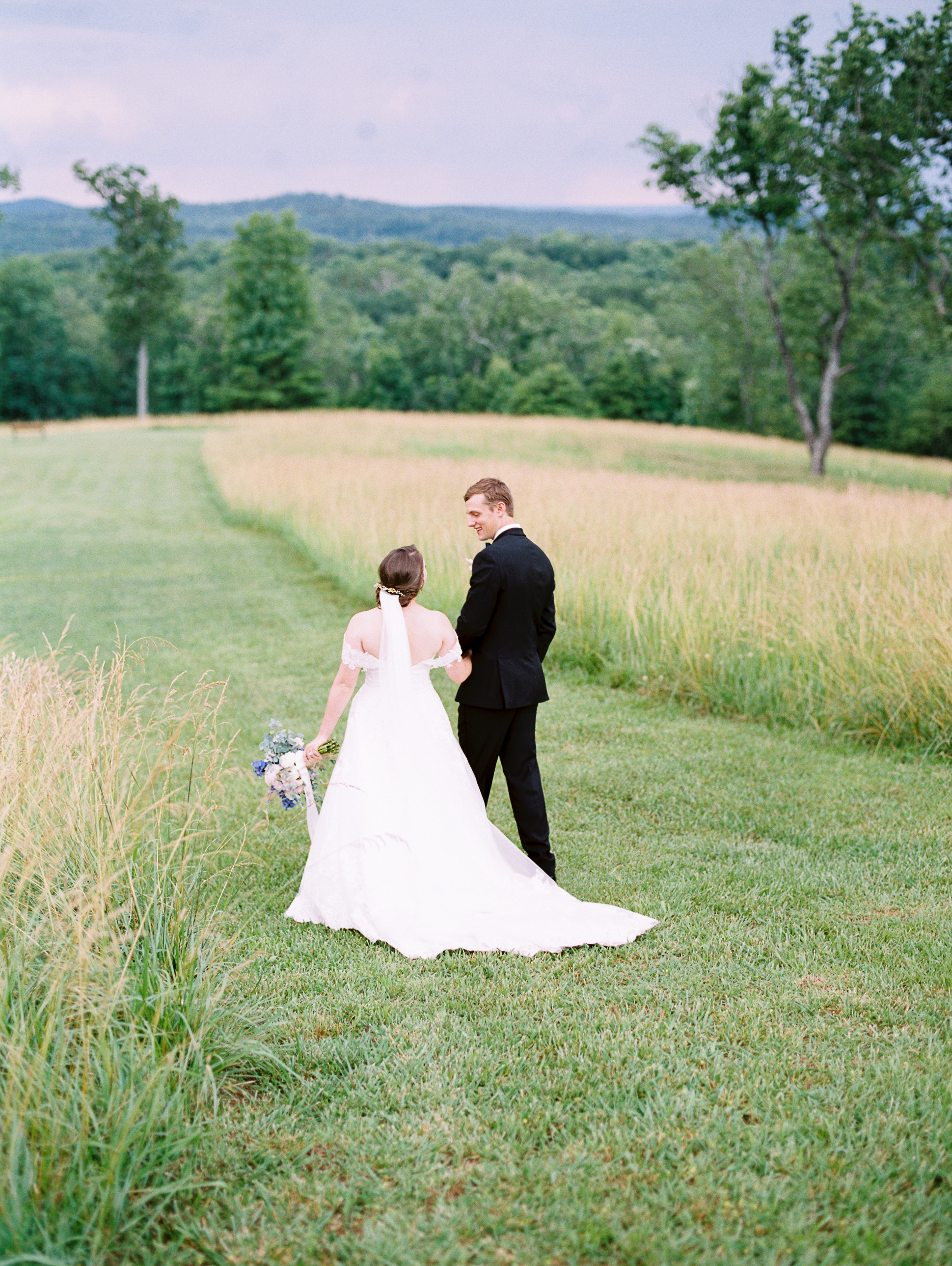 barn-at-tatum-acres-wedding-jasper-atlanta-wedding-photographer-fine-art-film-hannah-forsberg41.JPG