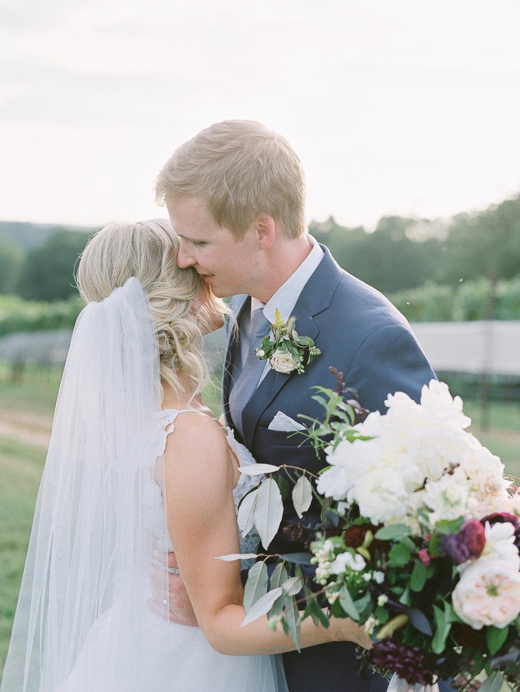 montaluce-winery-dahlonega-atlanta-wedding-photographer-fine-art-film-hannah-forsberg44.JPG