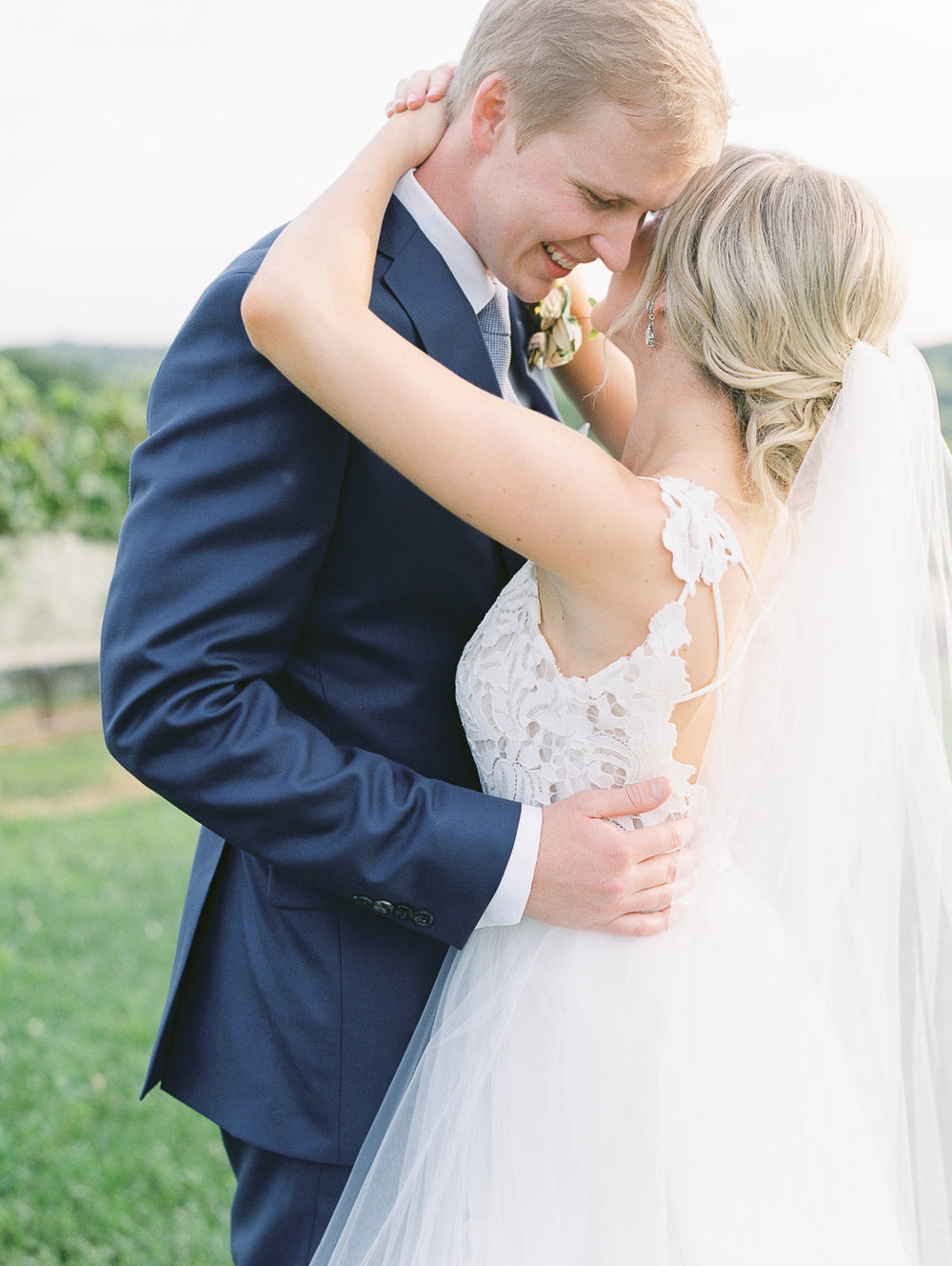 montaluce-winery-dahlonega-atlanta-wedding-photographer-fine-art-film-hannah-forsberg45.JPG