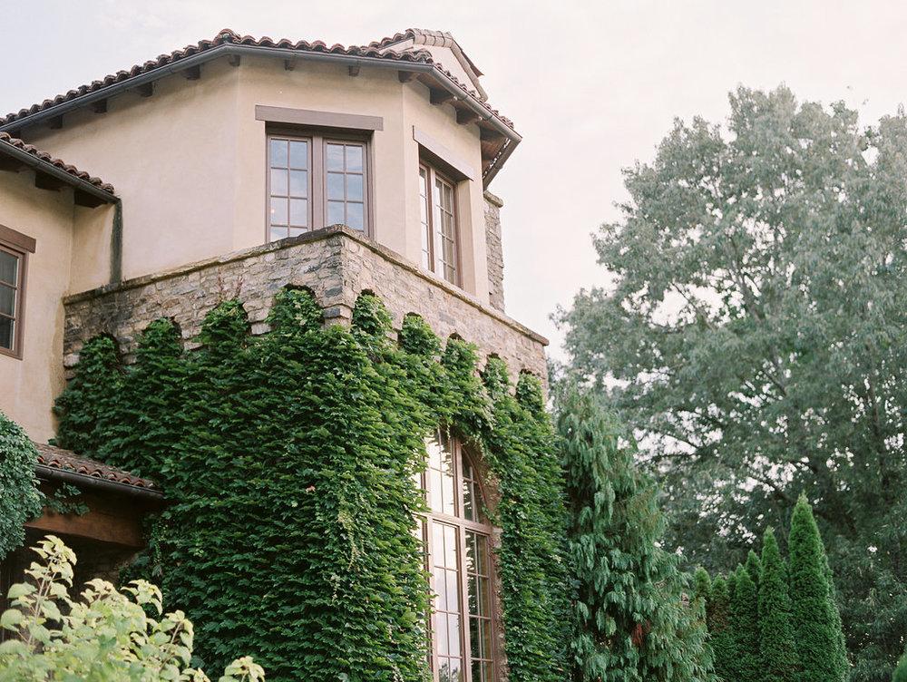 montaluce-winery-dahlonega-atlanta-wedding-photographer-fine-art-film-hannah-forsberg54.JPG