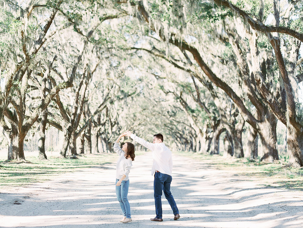 Wormsloe-historic-site-savannah-engagement-hannah-forsberg-atlanta-wedding-photographer-11.jpg