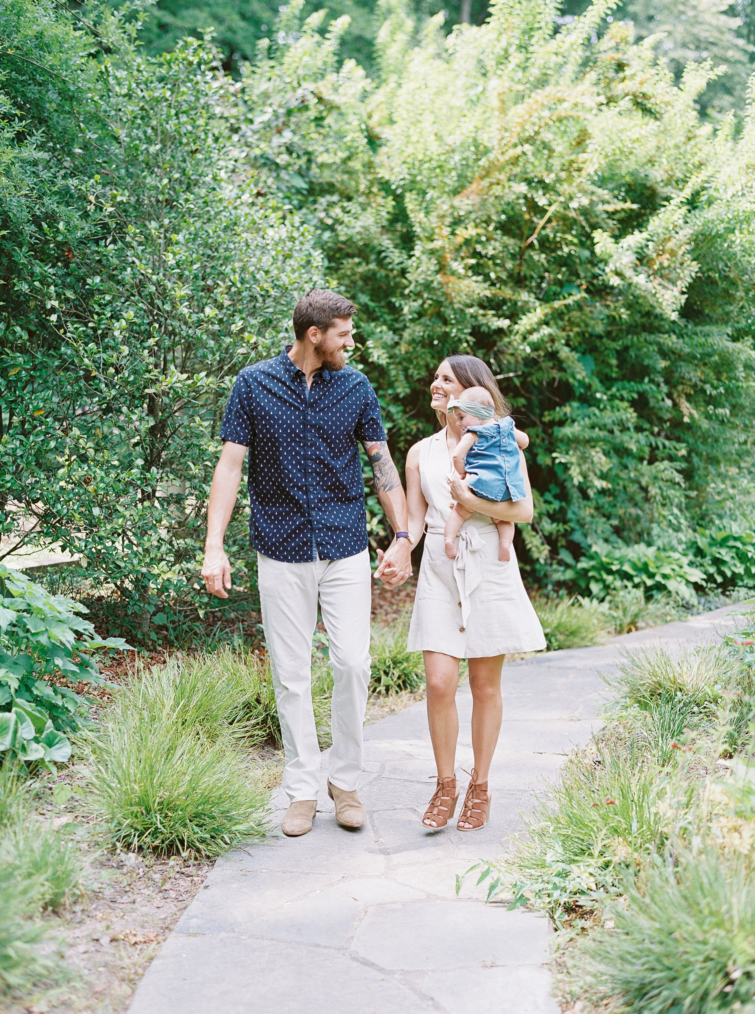 Cator-woolford-gardens-family-photos-atlanta-film-wedding-photographer-6.jpg