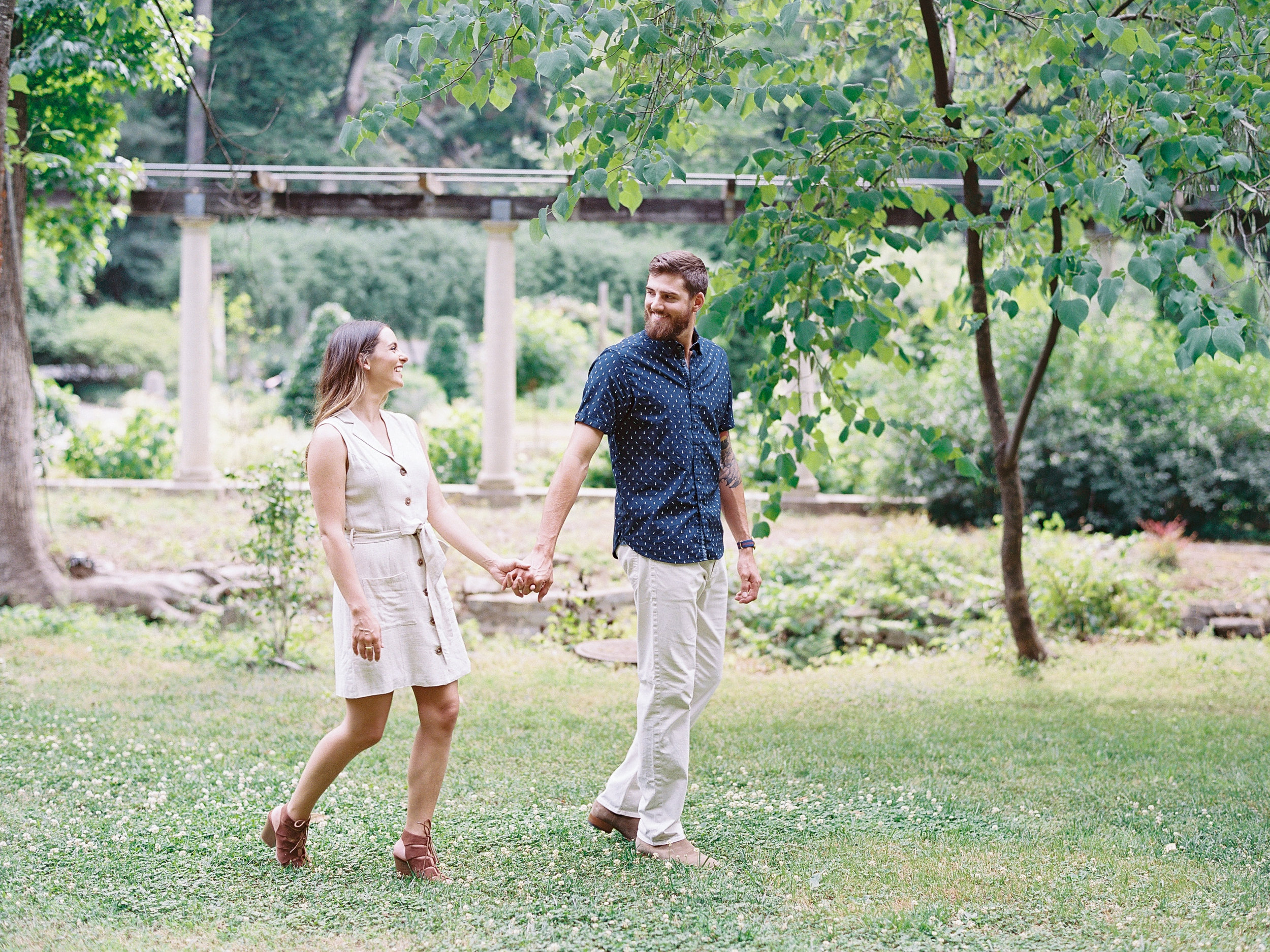 Cator-woolford-gardens-family-photos-atlanta-film-wedding-photographer-16.jpg