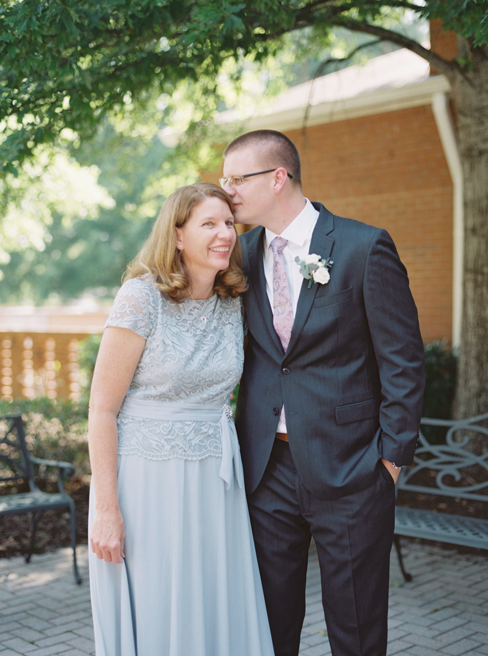 atlanta-film-wedding-photographer-roswell-ivy-hall-hannah-forsberg-25.jpg