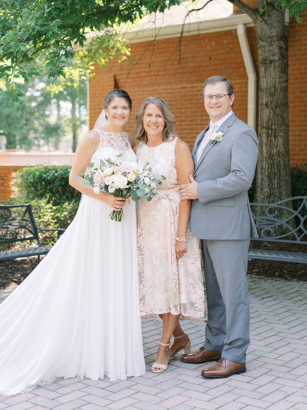 atlanta-film-wedding-photographer-roswell-ivy-hall-hannah-forsberg-28.jpg