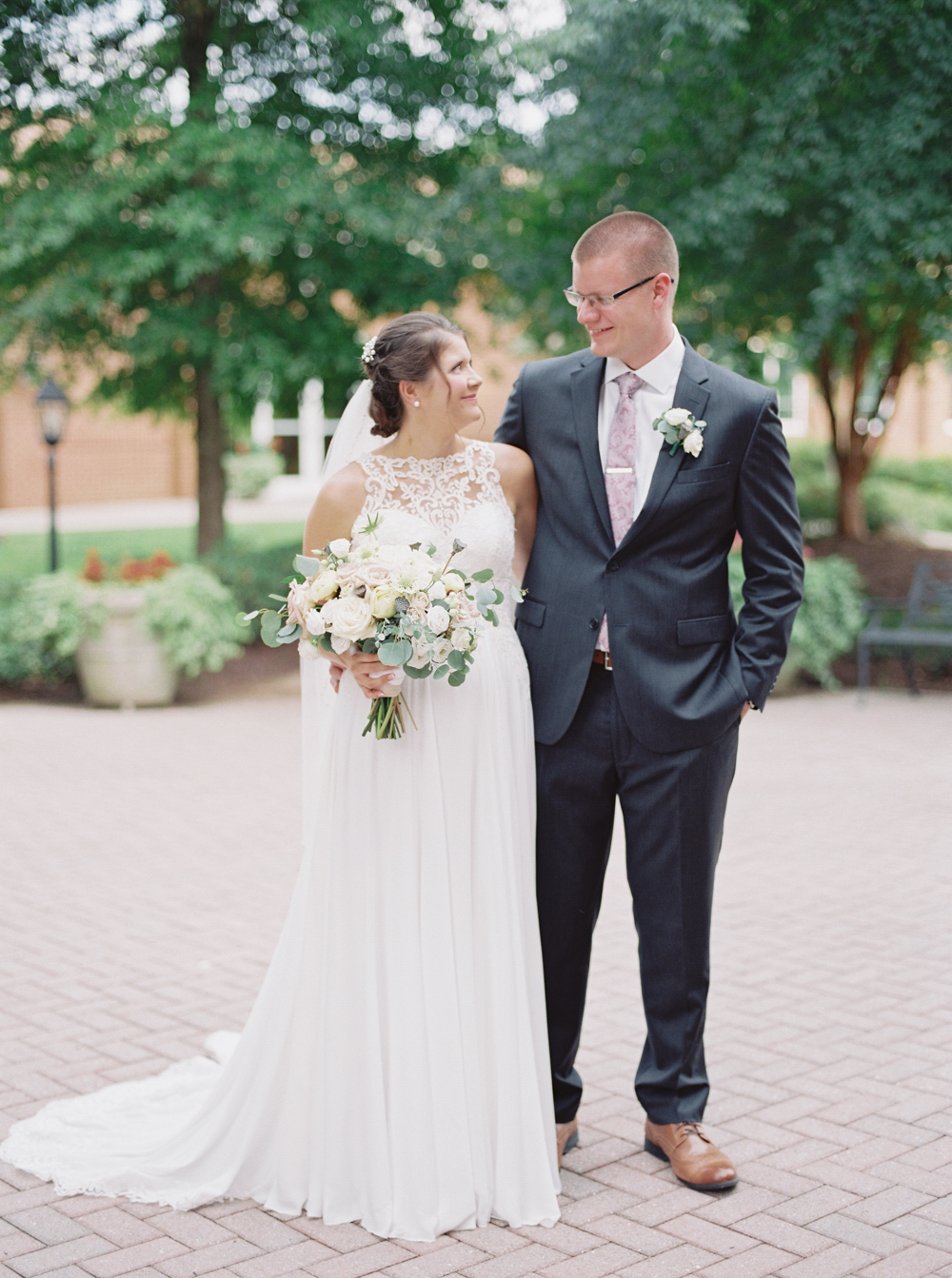 atlanta-film-wedding-photographer-roswell-ivy-hall-hannah-forsberg-64.jpg