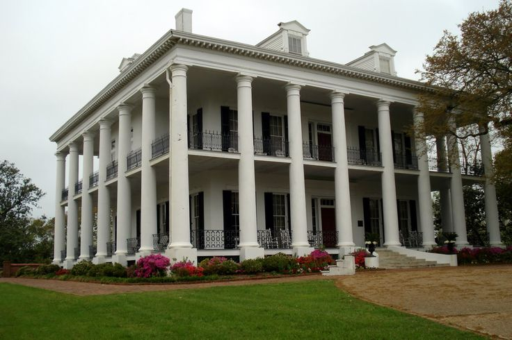 Plantation in Mississippi. Those columns! Wow!