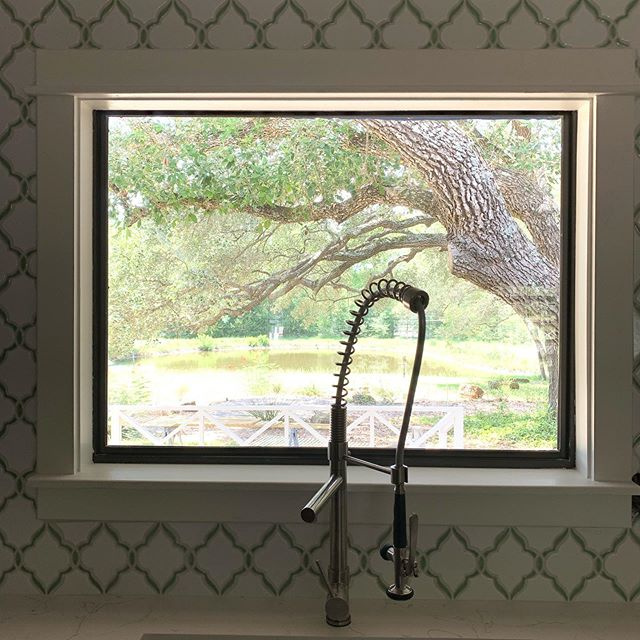 Can't decide if we like the backsplash or the view from the kitchen more. #newlooknassau this farmhouse is 4 miles to round top and our latest project will be ready for new owners soon! #roundtop #renovateonsite #goingtoroundtop #farmhouse #diy