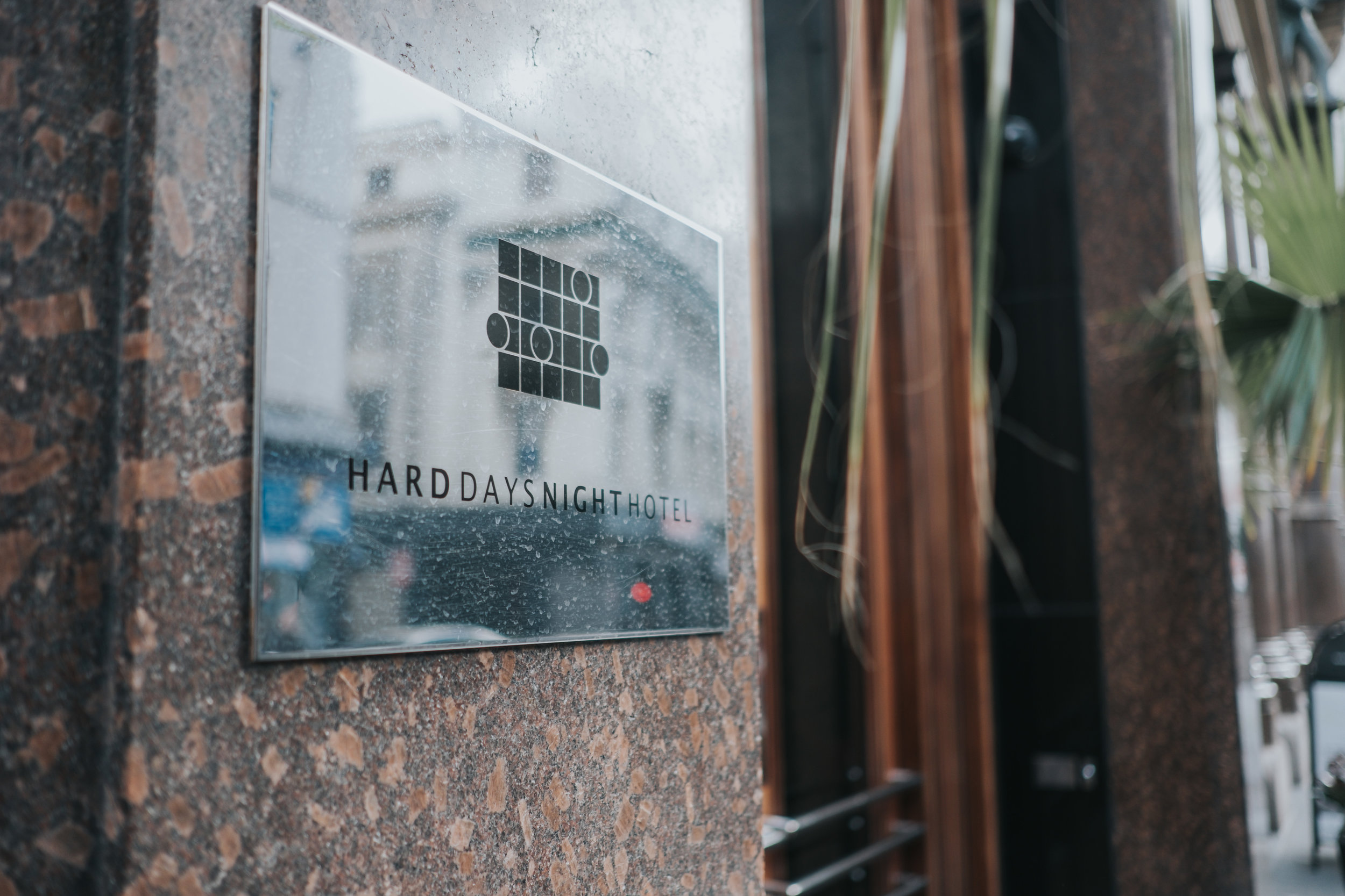 Modern and fashonable city centre wedding at the hard days night hotel in liverpool north west engand (2 of 54).jpg