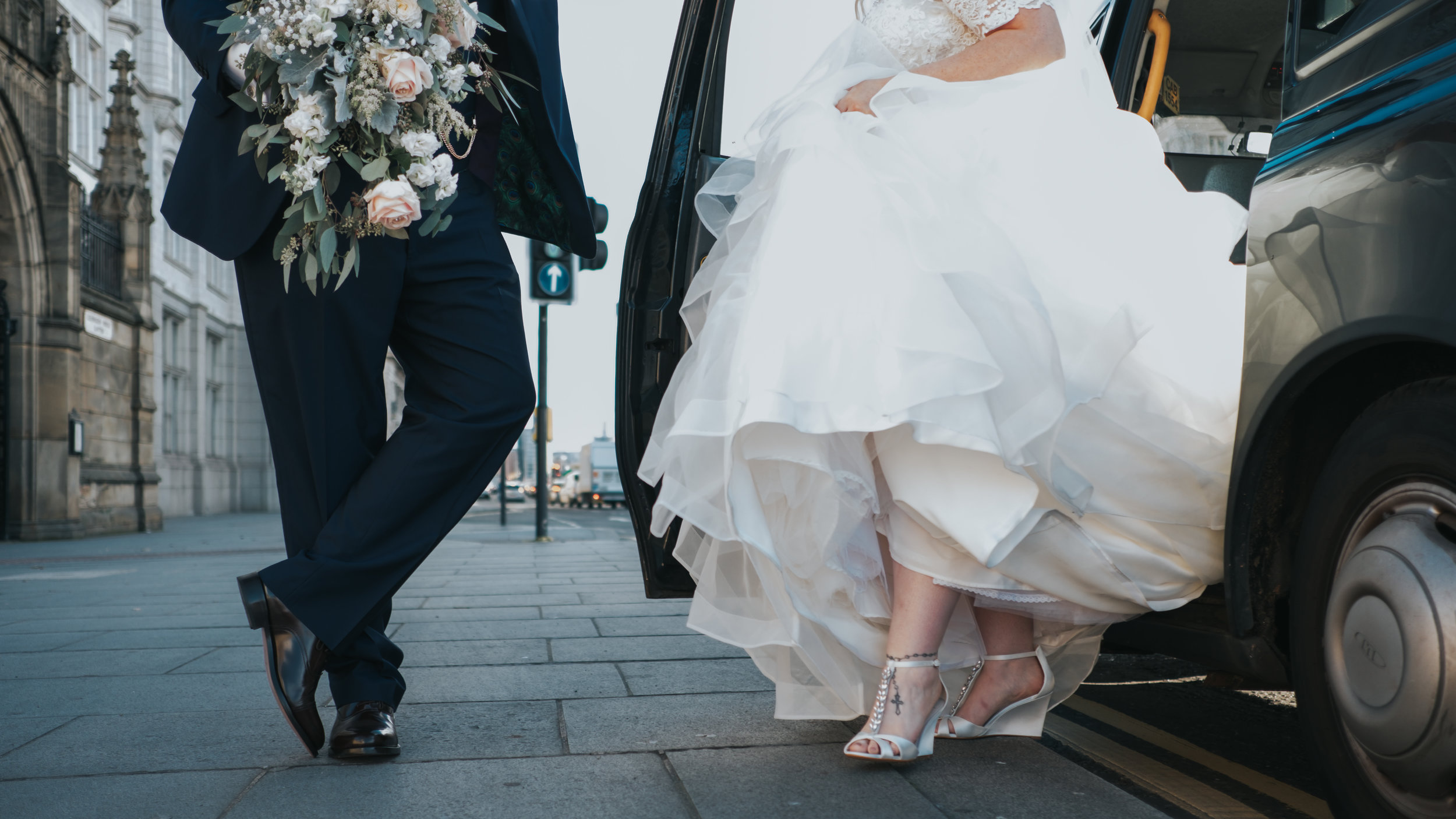 Modern and fashonable city centre wedding at the hard days night hotel in liverpool north west engand (34 of 54).jpg