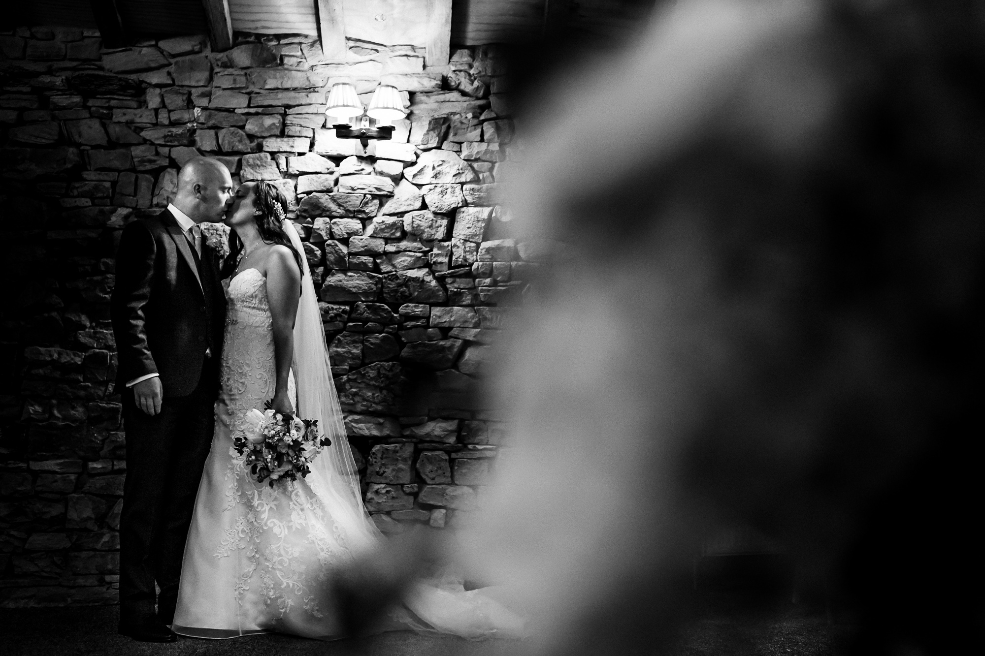 Hyde Bank Farm Wedding Photography Manchester wedding photographer (36 of 49).jpg