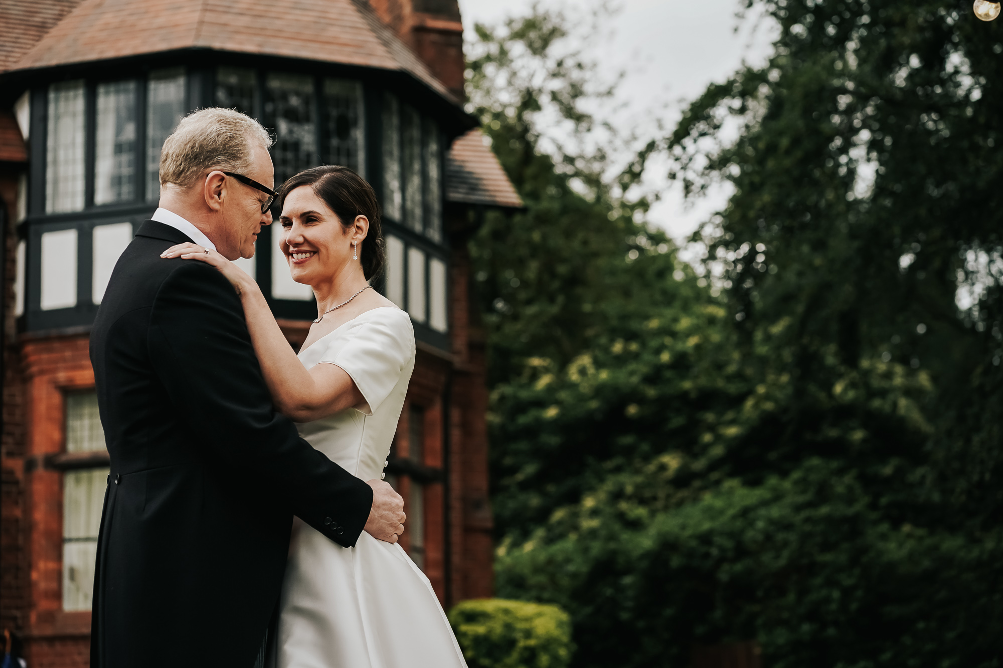 Cheshire wedding at home wedding photography (40 of 49).jpg
