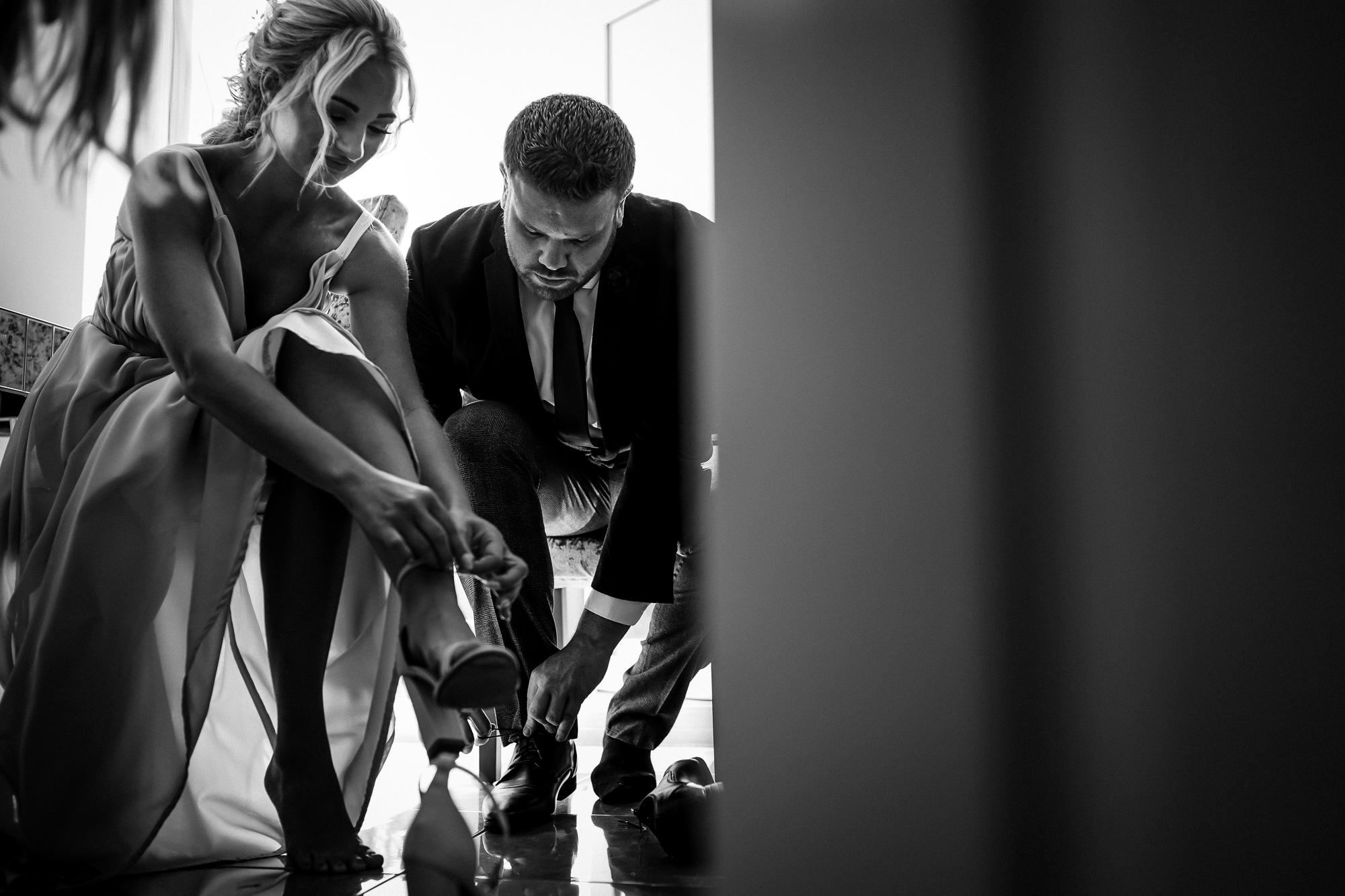 Thornton Manor Lakeside Marquee Wedding Photographer  (5 of 53).jpg