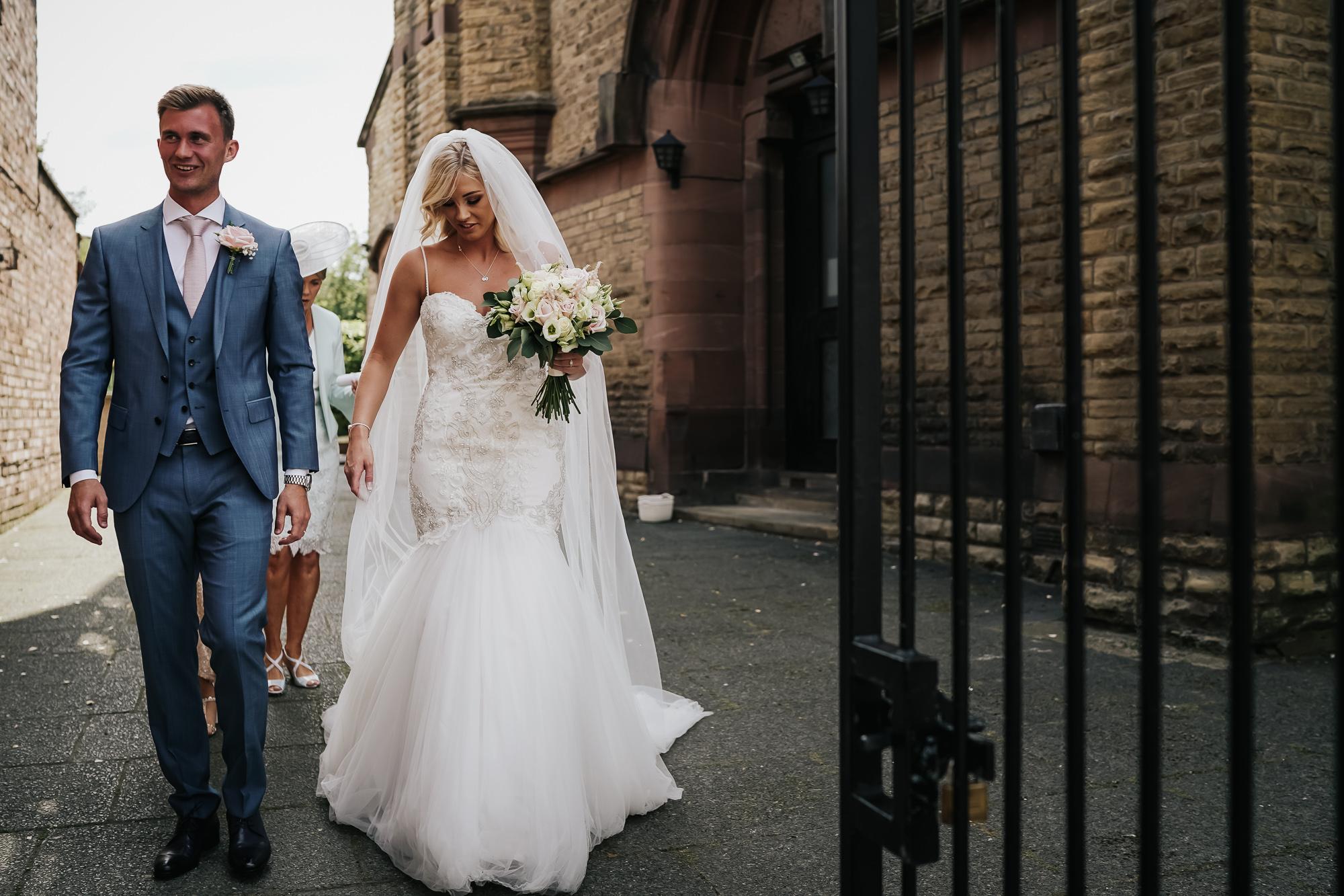 Thornton Manor Lakeside Marquee Wedding Photographer  (29 of 53).jpg