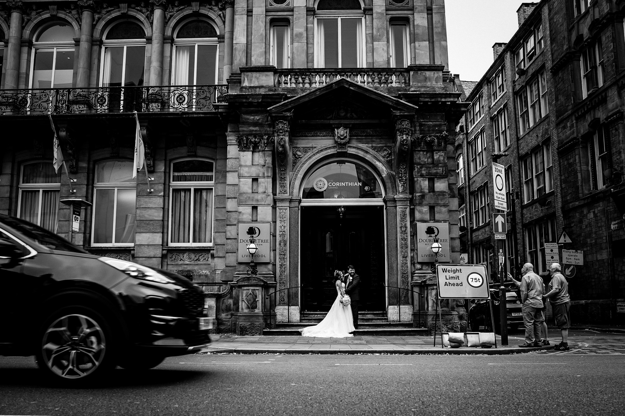 Double Tree By Hilton Liverpool City CEntre Wedding Photographer (24 of 35).jpg