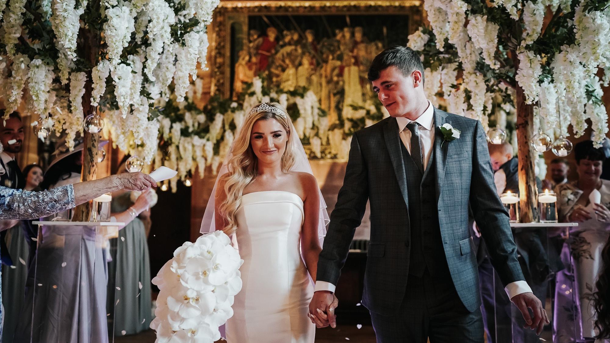 Peckforton+Castle+wedding+photography+cheshire+wedding+photographer+%2824+of+57%29.jpg