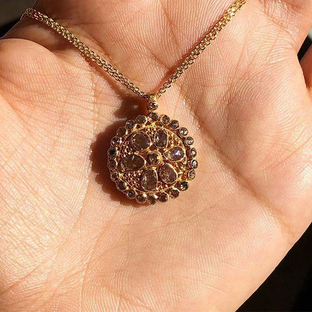 14kt yellow gold pendant with rose cut diamonds 💎 #diamonds#gold#yellowgold#rosecutdiamonds#uniquejewelry#handmadejewelry #localjewelry#localartist#downtownbrooklyn#nyc#jewelryaddict#jewelryoftheday #finejewelry#picoftheday#swipeleft