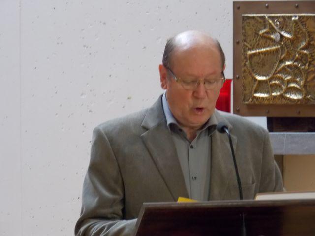 Lecture d'une intention de la prière universelle par Paul