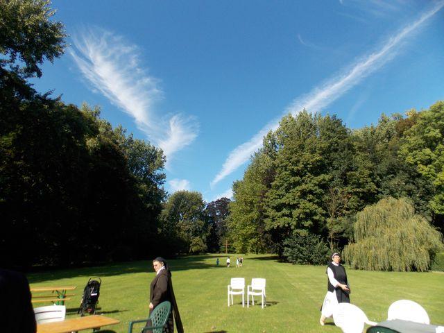 Le beau temps est de la partie... On dirait même que l'ange de l'atelier fait de la voltige!