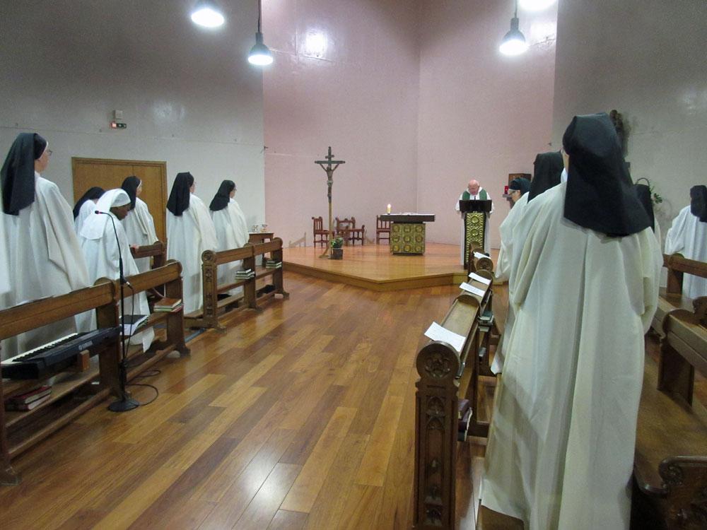 la communauté à la messe