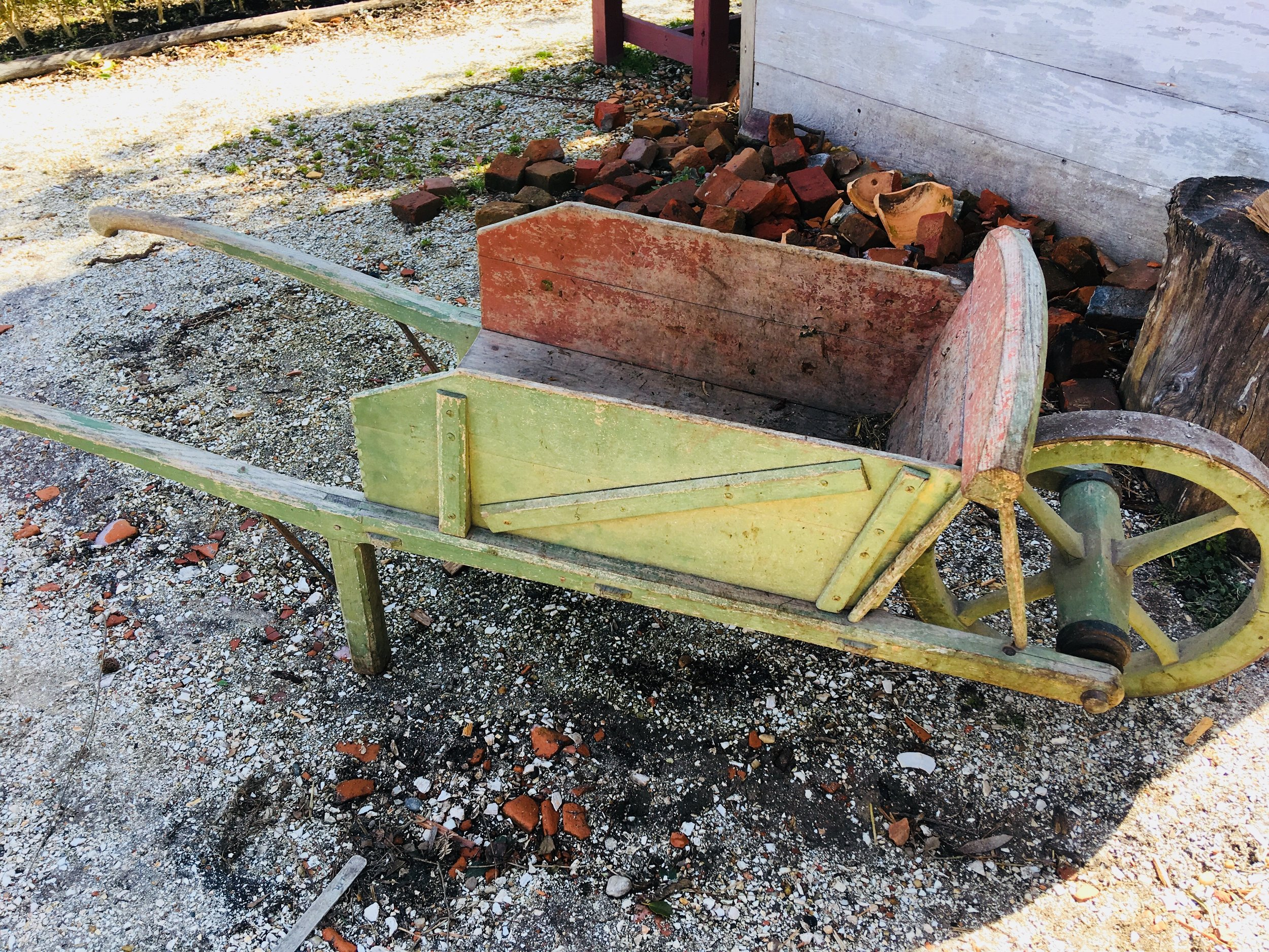 Sadly, this precious wheelbarrow was not for sale...and the gardeners were on the lookout, so I couldn't just (very casually) roll it away...!