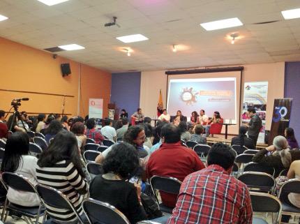 Foro público sobre retos de la comunicación comunitaria en el Ecuador