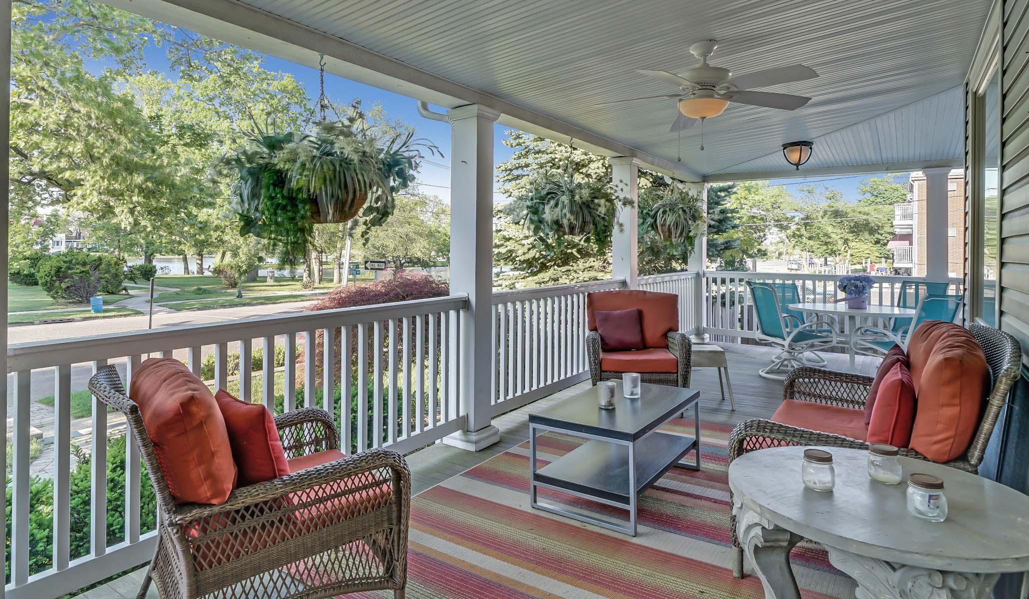 Lake View Porch.jpg