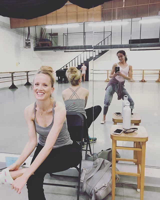 #LAstory #dancersofinstagram Don't miss out !! @blonde_erb teaching her kick ass pre professional #Ballet classes • #WestsideBallet Tuesday 4/17 - Saturday 4/21 • 11:30am-1pm 📸 credit @_la.fin_ it's really a #selfie // #MovementCenterLa ✨ #art #inmotion