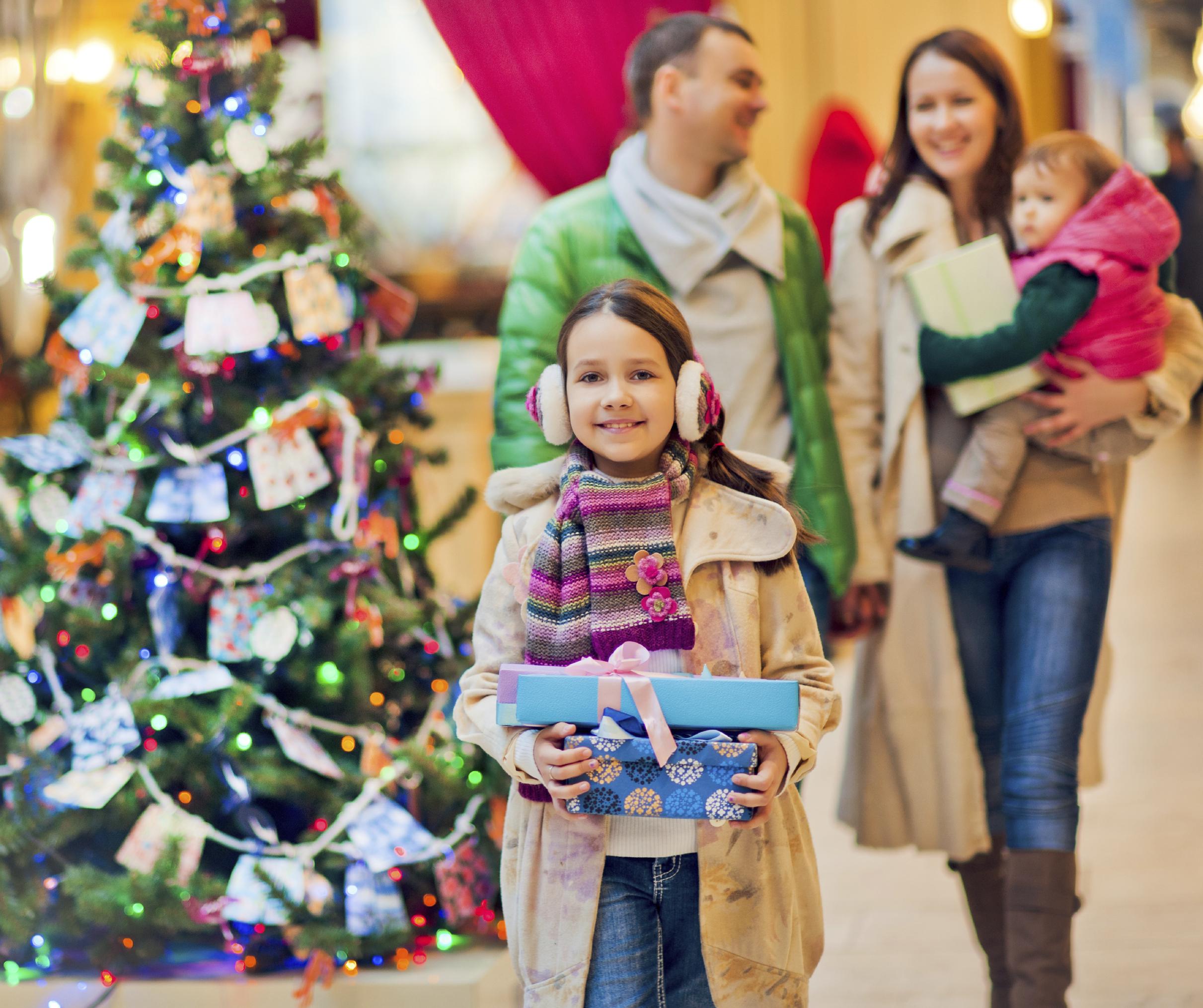 iStock_000048390846Large X-mas Mall.jpg