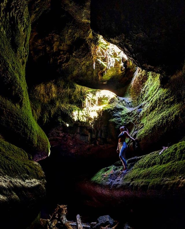 Your true nature is luminous. ———————————————————— 📷: @cristylaexploradora ———————————————————— #girlganghikersclub #travelwashington #pnw #pnwdiscovered #womenwhoexplore #pnwonderland #washingtonexplored #sheexplores #theNWadventure #herpnwlife #likeamountaingirl  #wildernessbabes #mountaingirls #radgirlslife #girlsborntotravel #nwc #womeninthewild #womenempowerment #outdoorphotography #instagram #womenwhoexplore #womenwhohike #womenwhoexplorewashington