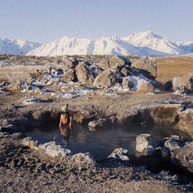 When I dip you dip we dip. —————————————————- 📷: @stephintotheunknown ——————————————————————— #travelcalifornia #westcoast #pnwdiscovered #womenwhoexplore #californiaadventure #californiaexplorers #sheexplores #likeamountaingirl  #wildernessbabes #mountaingirls #radgirlslife #girlsborntotravel #nwc #womeninthewild #womenempowerment #outdoorphotography #instagram #womenwhoexplore #womenwhohike #exploremore #adventurewomen #girlganghikersclub