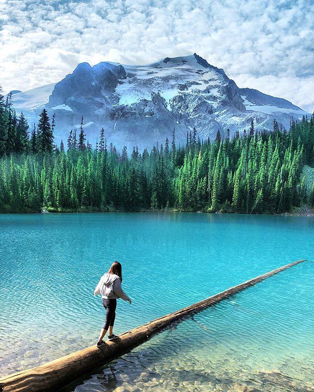 Did it for the likes AND the hikes. _________________________________________________________ #girlganghikersclub #travelwashington #pnw #pnwdiscovered #womenwhoexplore #pnwonderland #britishcolumbia #sheexplores #theNWadventure #herpnwlife #likeamountaingirl  #wildernessbabes #mountaingirls #radgirlslife #girlsborntotravel #nwc #womeninthewild #womenempowerment #outdoorphotography #instagram #womenwhoexplore #womenwhohike #canadaswonderland