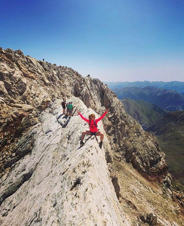 Weeeeeeee-kend vibes. —————————————————— 📷: @butterfly_effect_1991 ——————————————————————— #girlganghikersclub #europe #exploremore #womenwhoexplore #sheexplores #likeamountaingirl  #wildernessbabes #mountaingirls #radgirlslife #girlsborntotravel #womeninthewild #womenempowerment #outdoorphotography #instagram #womenwhoexplore #womenwhohike #exploremore #adventurewomen  #worldtravelpics #travelgram #mountain_world #instagram