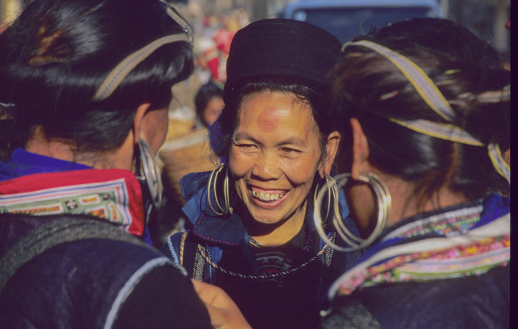 Hmong women, Sapa