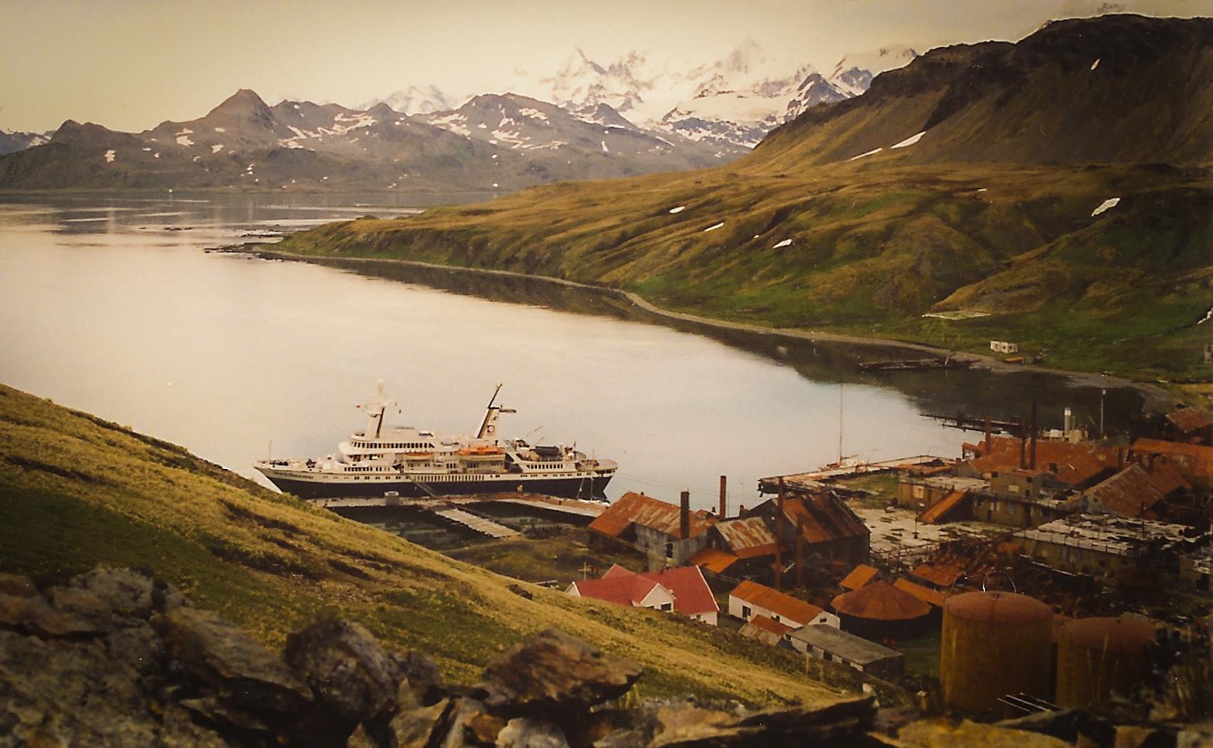 Grytviken:  abandoned whaling station