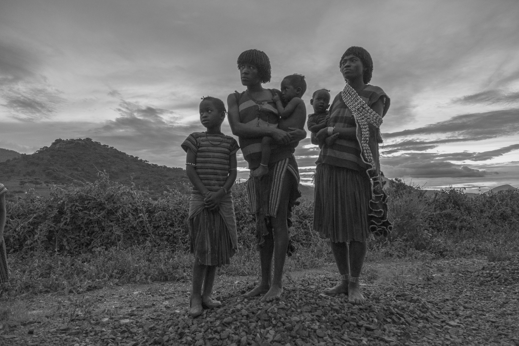 Konso women and their children