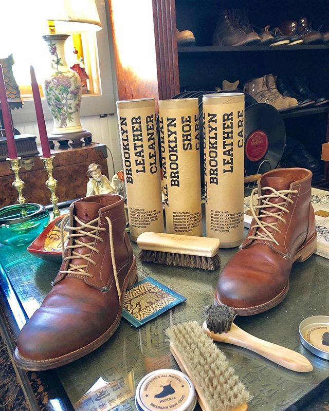 #repost @boothunter with @armstrongsallnatural  Saturday Boot Care At Boot Bill - Butts and Shoulders @buttsandshoulders Veg Tan Boots & Armstrong's All Natural Brooklyn Leather Care @armstrongsallnatural • • • #mensclothing #styleformen #outfitpost #workwear #rawdenim #selvedge #menslook #stylemen #outfitplace #mensweardaily #ruggedstyle #mensclothes #fashiondaily #mensfashionpost #styleiswhat #outfitideas #boots #denimstyle #styleguide #mensfashion #rugged #mensstyleguide #thedenimdaily #buttsandshoulders #boothunter #styleiswhat