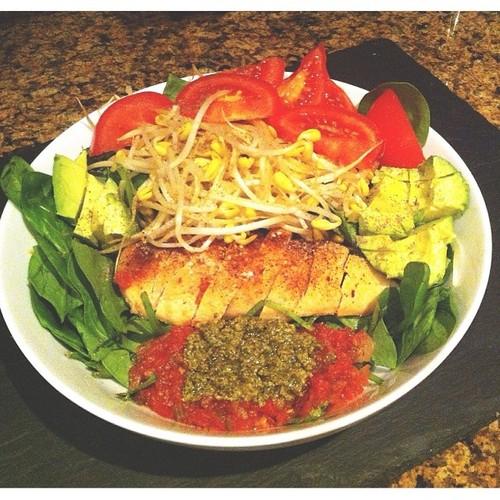 pesto chicken spinach salad.jpg