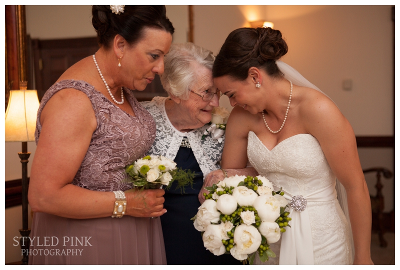 styled-pink-photography-old-york-country-club-wedding-8