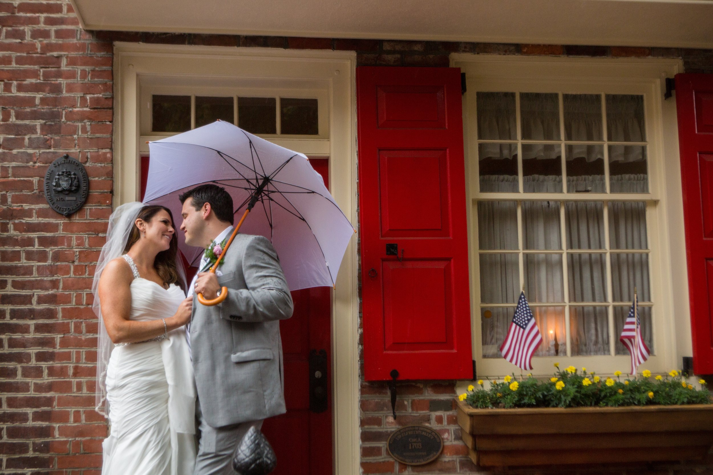 Kate and Jeff visit the quaint and cozy Elfreth's Alley.