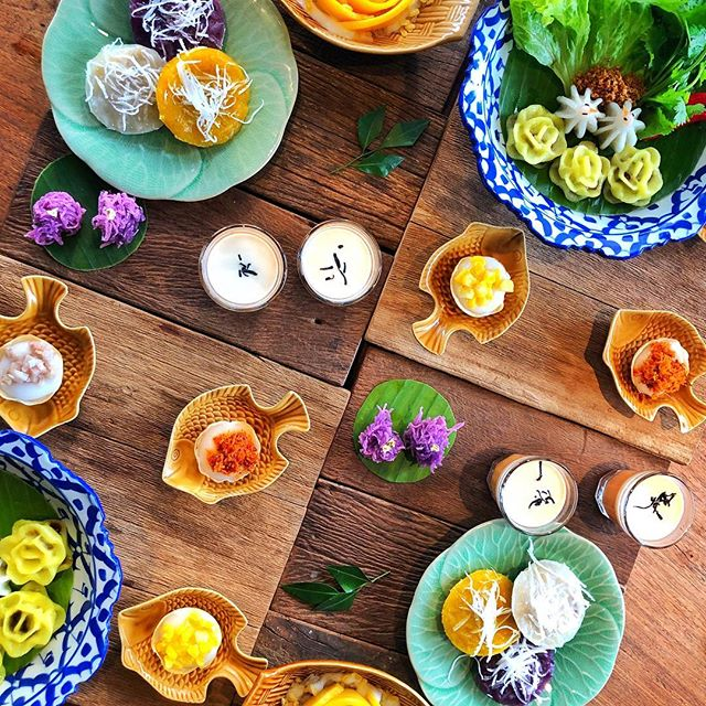 Surviving the crowds at the Grand Palace deserves a reward as sweet as @supannigagroup's afternoon tea. #supannigaeatingroom #thaisweet #bangkokeats